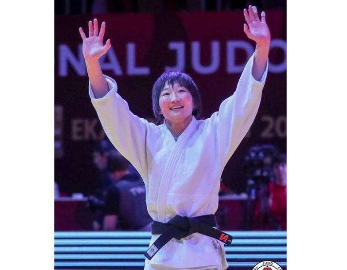 Г.Наранцэцэг мөнгөн медаль хүртэв