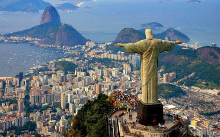 Бразил үндэстэн дамнасан авлигын хэргээр тэргүүлжээ