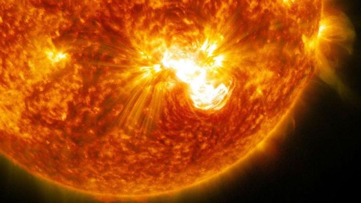 Наран дээр сүүлийн гурван жил болоогүй хүчтэй дэлбэрэлт болжээ