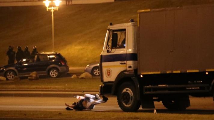 Минск хотод болсон эмх замбараагүй байдлын үеэр нэг хүн амь үрэгджээ