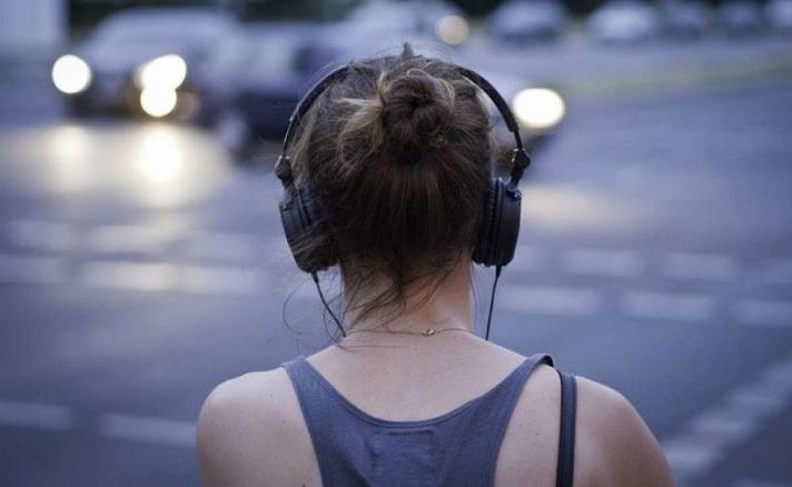 Чихэвчний буруу хэрэглээ сонсголын аппарат зүүх хүртэл эрсдэл дагуулдаг