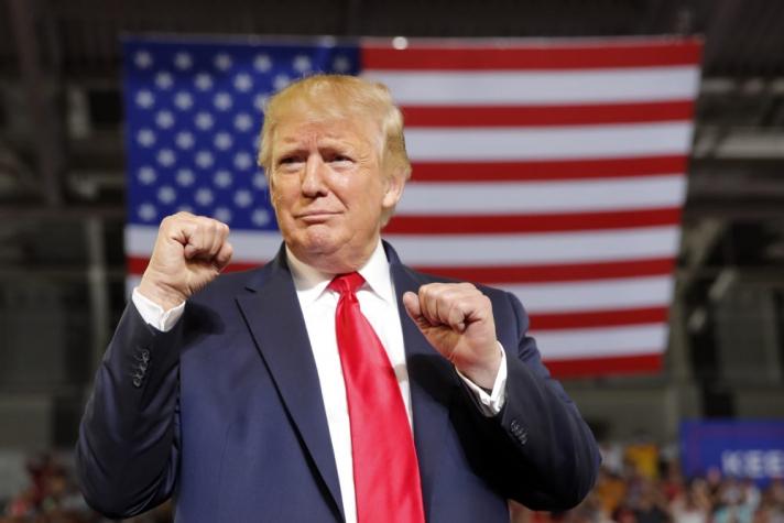 Д.Трампын коронавирусний шинжилгээний хариуг эмч нь хэлжээ