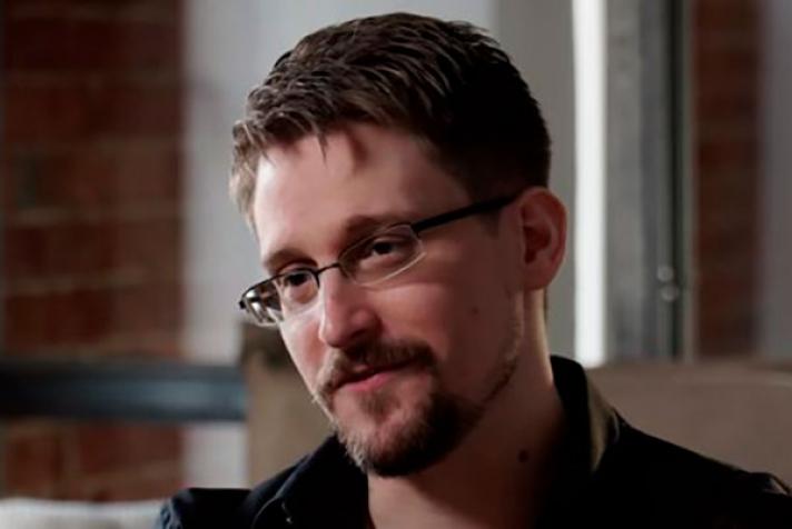 Э.Сноуден ОХУ-д хугацаагүйгээр оршин суух зөвшөөрөл авчээ