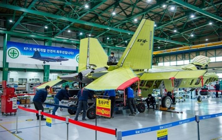 БНСУ шинэ үеийн сөнөөгч онгоц бүтээж байна
