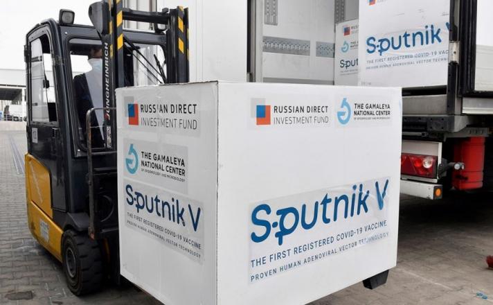 """""""Спутник V"""" вакцин Ирак болон Лаост бүртгэгджээ"""