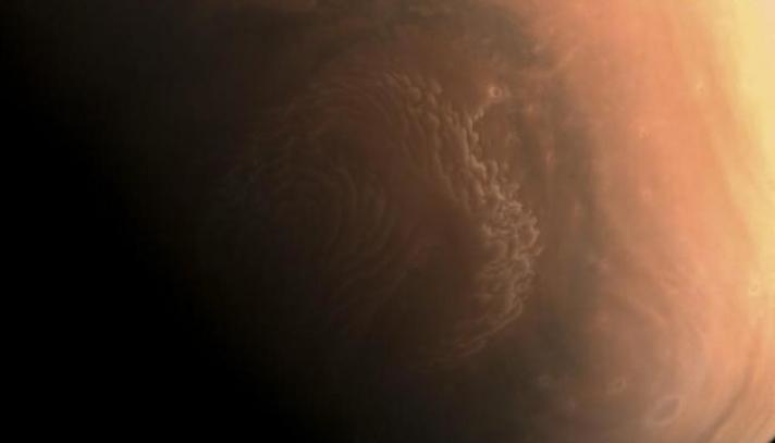 Ангараг гаргийн өндөр нарийвчлалтай зургийг үзүүлжээ