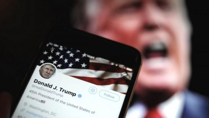 """Д.Трампын """"Facebook"""" хаягийг бүрмөсөн хаах эсэхийг Лхагва гарагт шийднэ"""