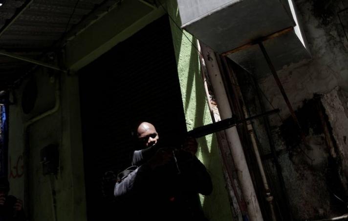 Рио-де-Жанейрод хар тамхины бүлэглэлийн хорь гаруй гишүүнийг устгажээ