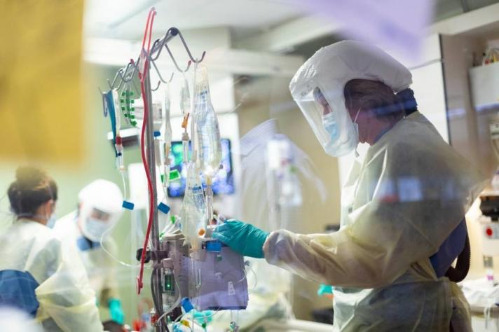 АНУ-д коронавирусний улмаас нас барсан хүний тоо Испанийн томуугаар эндсэн хүний тооноос давжээ