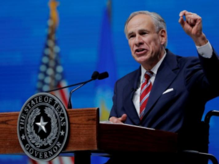 Техас муж улсын захирагч албадан вакцинжуулахыг хоригложээ
