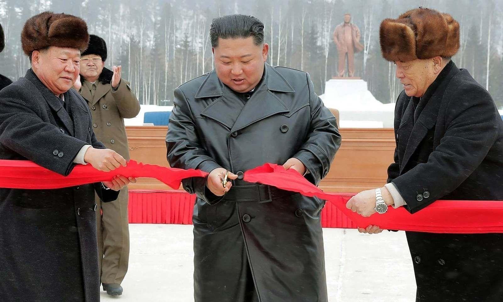 Ким Жон Ун шинэ хот байгуулснаа нээжээ