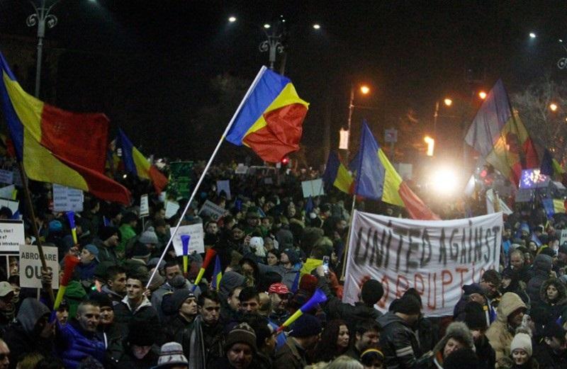 Румынд авилгын эсрэг томоохон жагсаал боллоо