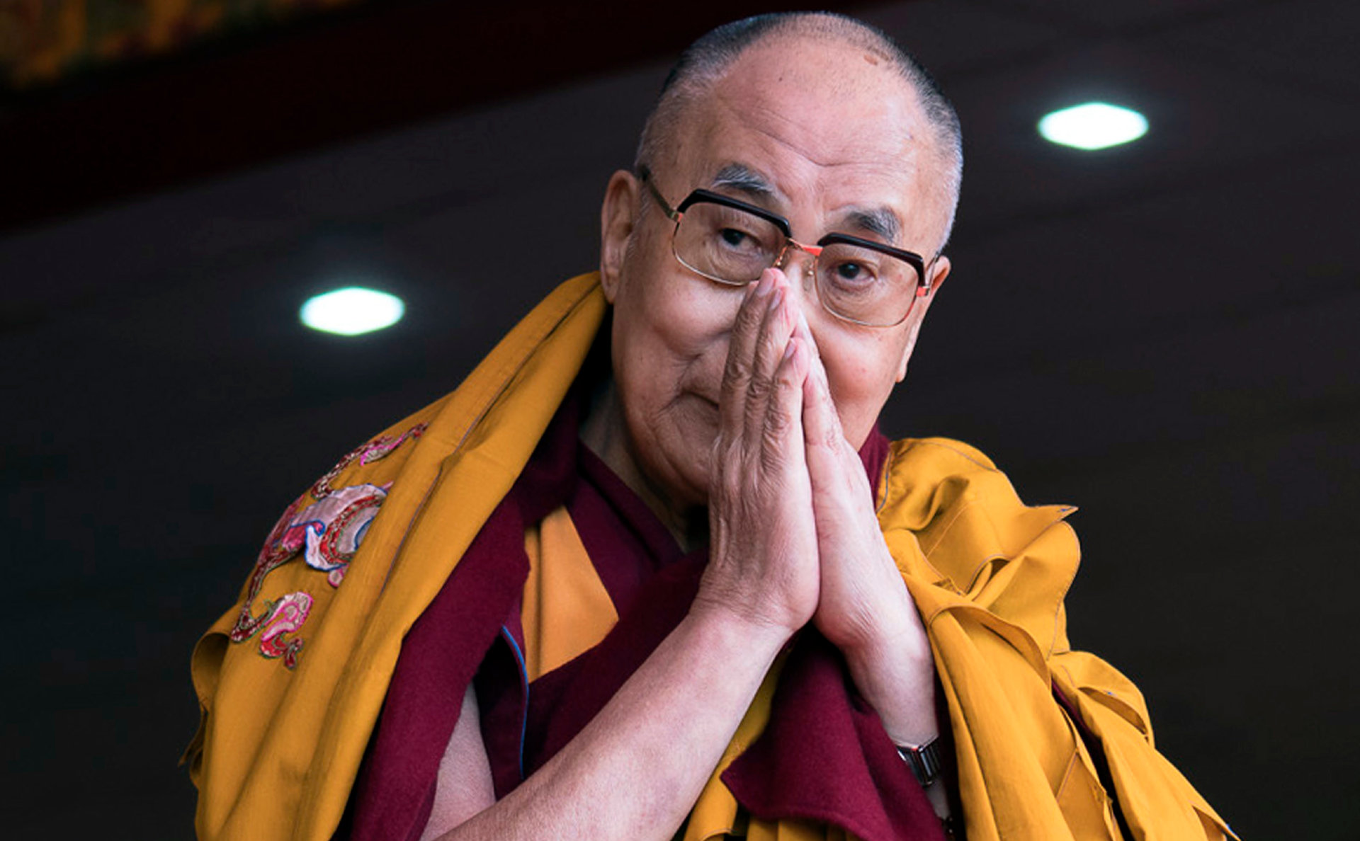 Далай Лам цахим сүлжээгээр дамжуулан Жанрайсиг бурханы авшиг хүртээнэ