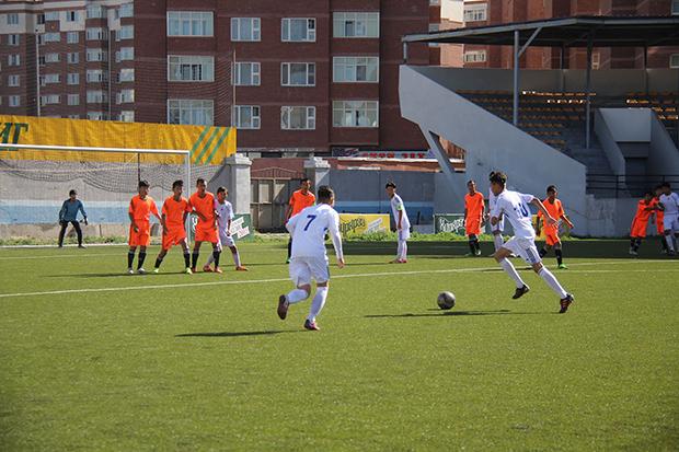 Хөлбөмбөгийн УАШТ дуулиантай эхэллээ