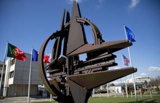 НАТО шинэ зэвсэг бүтээх ёстой