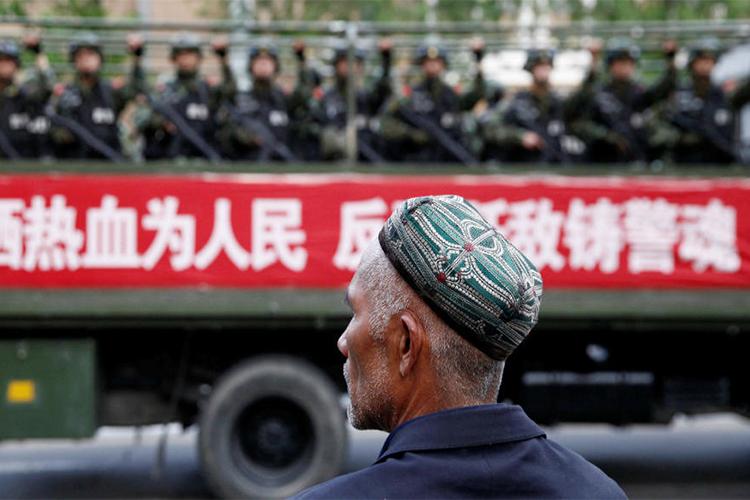 Хоригдож байсан Уйгаруудыг чөлөөлсөн гэж Хятадын эрх баригчид мэдэгджээ