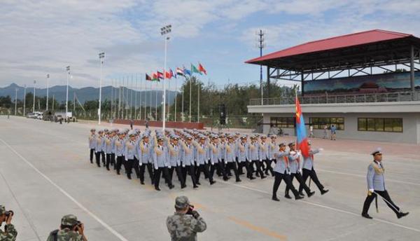 Парадад алхах Монгол цэргүүд бэлтгэлээ хийж байна