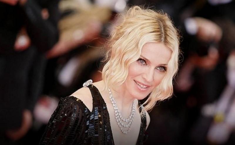 Попын хатан хаан Мадонна 60 нас хүрлээ