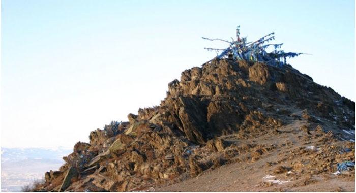 Уул овоо руу машинтай гарахыг хориглов