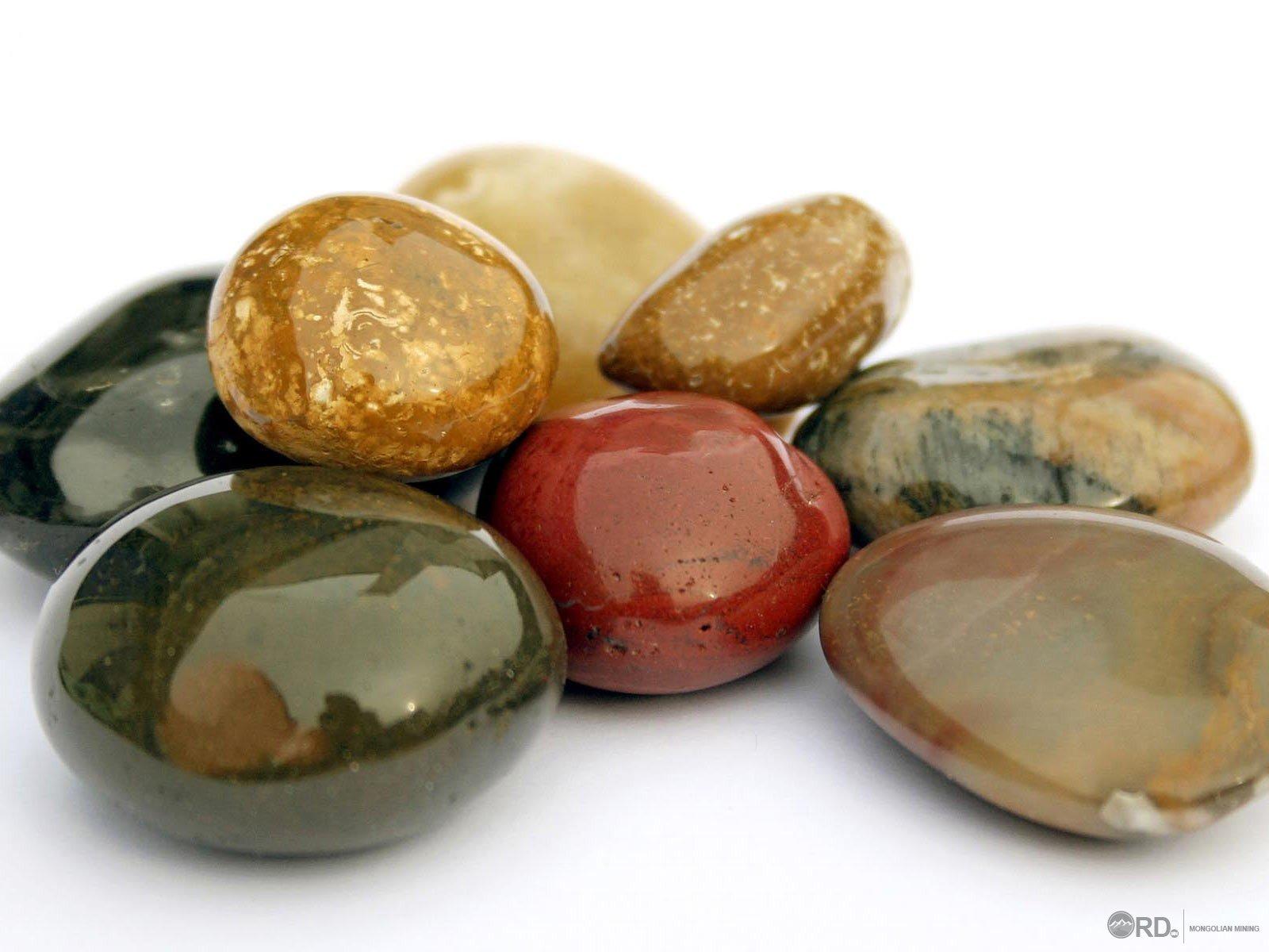 Үнэт металл, чулууны арилжаа, үл хөдлөх эд хөрөнгө зуучлал эрхэлдэг 6,000 гаруй нэгжид СЗХ хяналт тавина