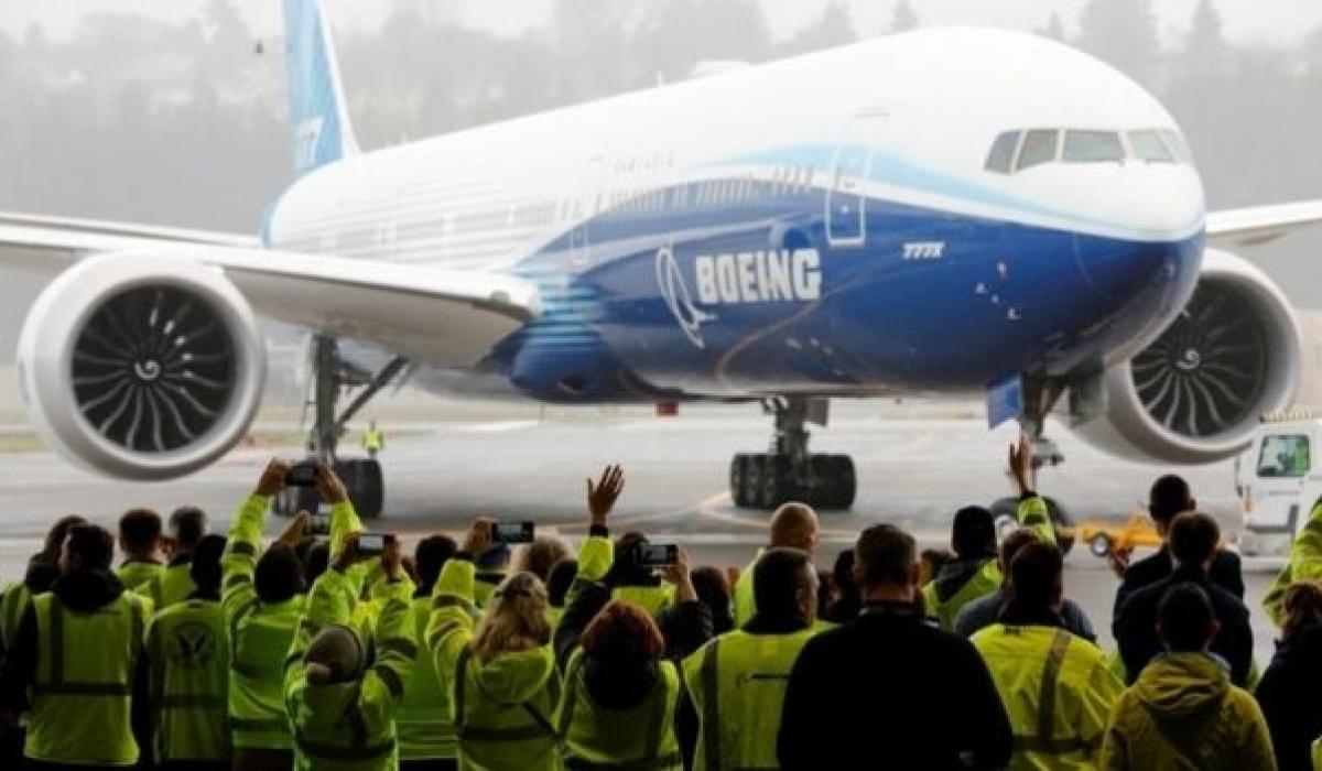 Дэлхийн хамгийн том онгоц анхны нислэгээ амжилттай гүйцэтгэлээ