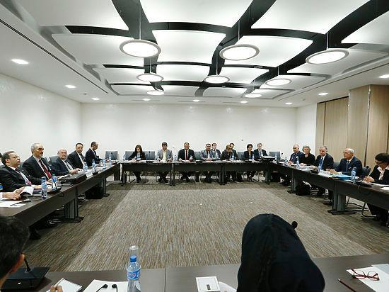 Сирийн асуудлаарх Женевийн хэлэлцээр түр тасалдлаа