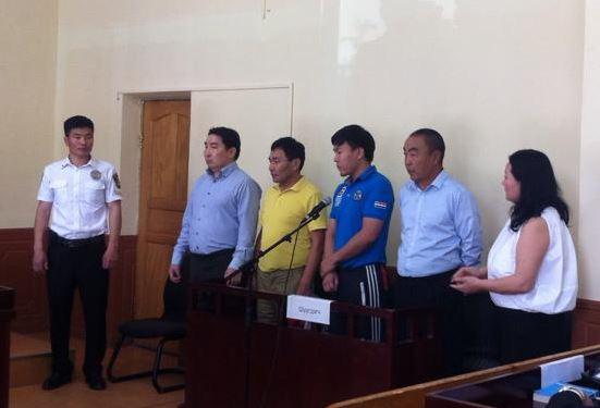Сэтгүүлч С.Баттулгыг есөн сая төгрөгөөр торгож, Г.Буяндоржид 3.3 жилийн хорих ял оноолоо
