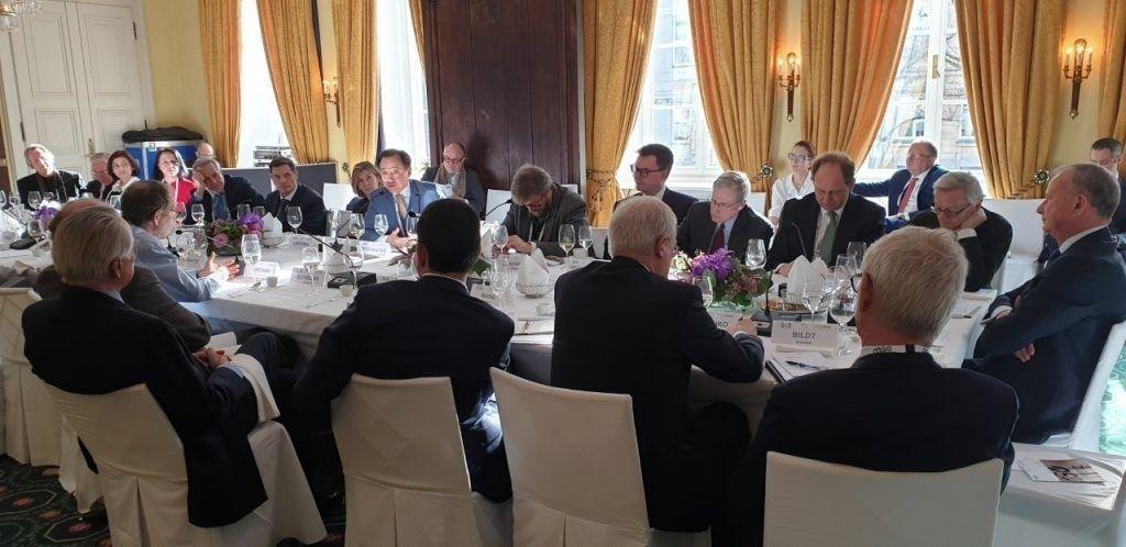 Хөрөнгө оруулалт татах асуудлаар Улаанбаатарт бизнес эрхлэгчдийн форум хийхээр 10 гаруй улсын сайдтай тохиролцжээ