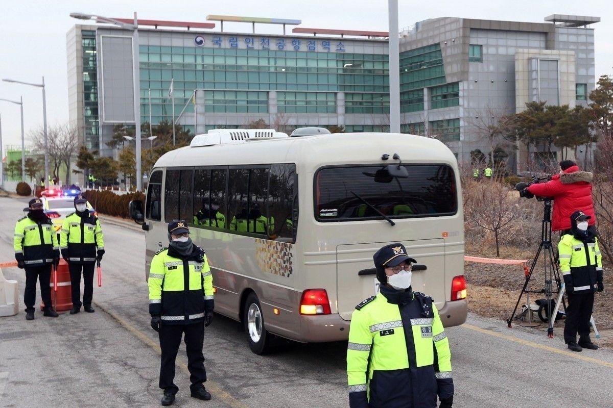 Өмнөд Солонгост нэг сүмийн цуглаанд оролцдог 10 хүнээс коронавирусийн халдвар зэрэг илэрчээ