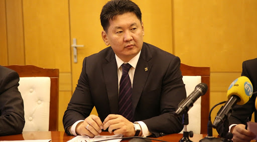 У.Хүрэлсүх: Монголд давраад байгаа гурван зүйл бол улс төр, уул уурхай, банкны систем