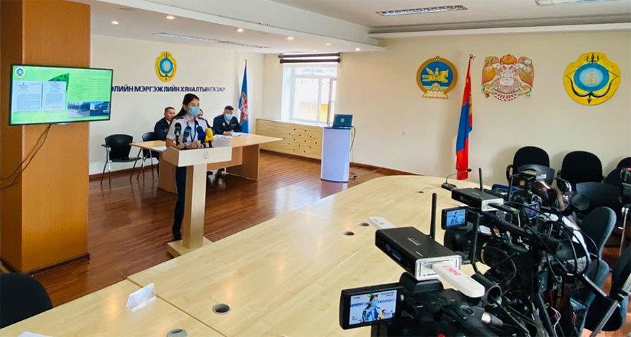 Улаанбаатар хотын цагдаагийн газар иргэдийг хүлээн авах уулзалтын шилэн өрөөтэй боллоо