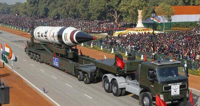 """Энэтхэгчүүд """"АГНИ-5"""" баллистик пуужинг амжилттай туршлаа"""