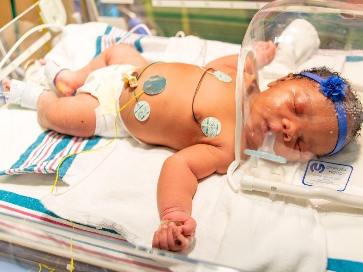 АНУ-д есдүгээр сарын 11-ний өдрийн 9:11 цагт 9.11 жинтэй хүүхэд төржээ