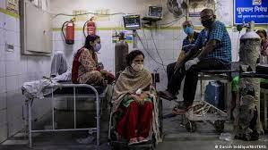 COVID-19: Эмнэлгийн оргүй, шарил ч чандарлаж амжихгүй болсон Энэтхэг