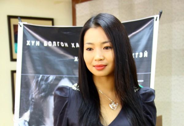 М.Бямбаа:Ямар ч оронд очсон монгол бүжиг хүмүүсийн харааг булааж чаддаг