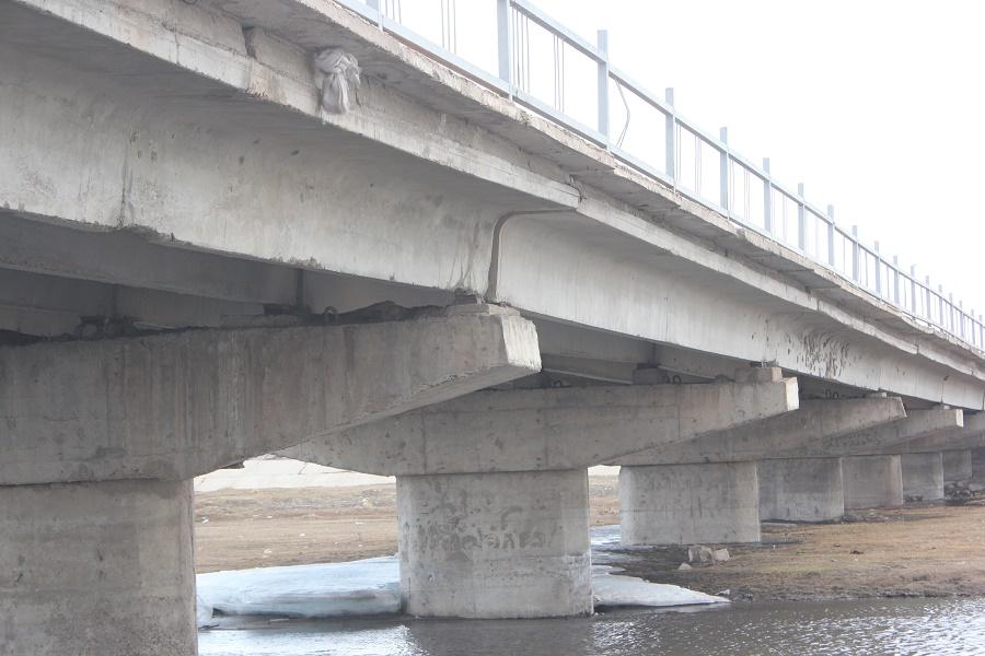 Хараа голын төмөр бетонон гүүр нурах магадлал улам ихэсчээ