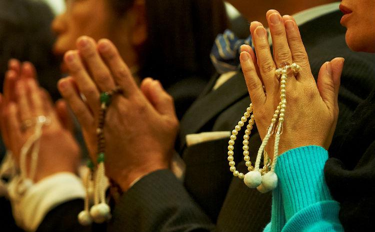 Залбирах нь цусны бүтцийг өөрчилдөг болохыг эрдэмтэд тогтоожээ