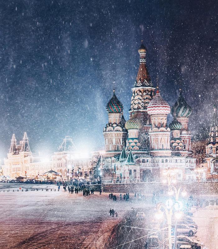 Үлгэрийн гэмээр үзэсгэлэнт шөнийн Москва /фото/