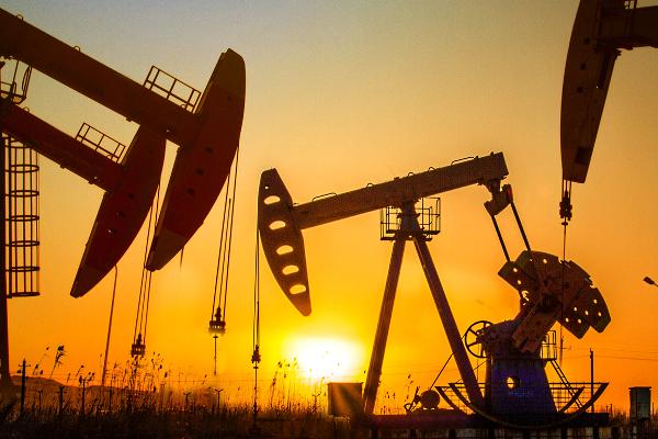 Нефтийн үнэ эрс унажээ