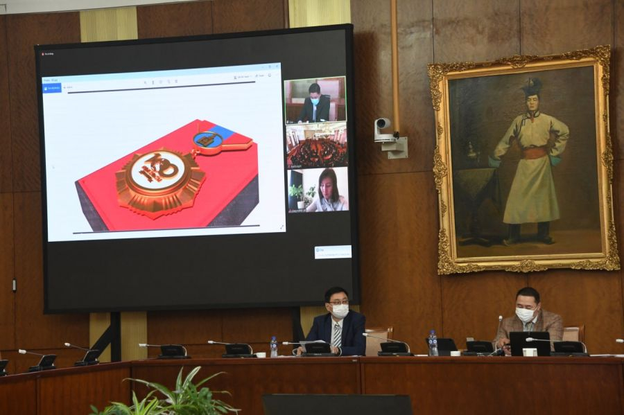Түүхт зуун жилд зориулан гаргаж буй медаль 975 сая төгрөгний өртөгтэй