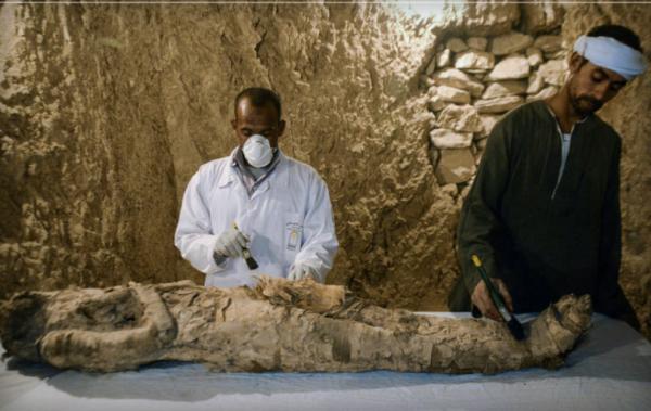 Археологичид Египетийн нэн эртний 2 булш задалжээ