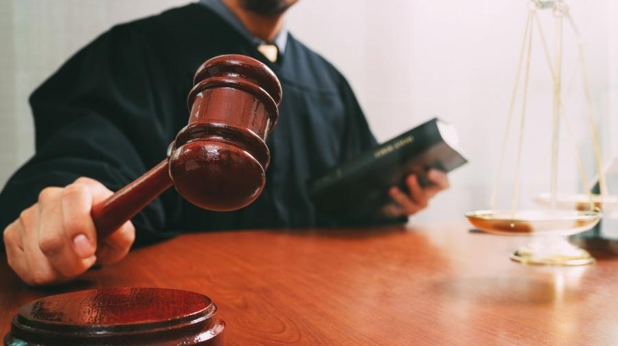 Хятадуудыг хууль бусаар ОХУ-д оруулдаг монгол бүсгүйд ял оноожээ