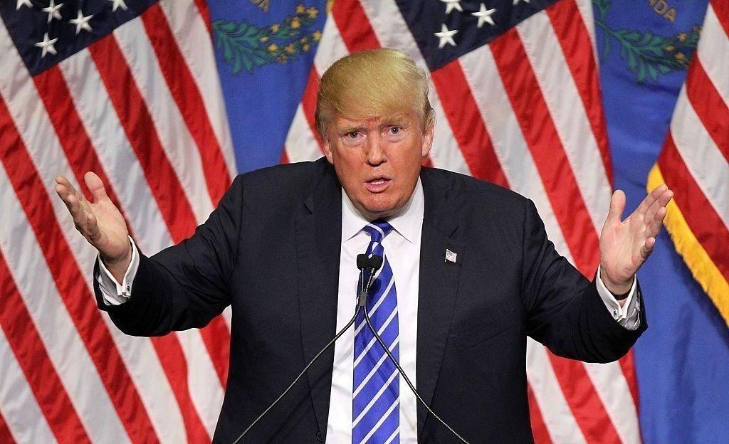 Коронавирусийн тахал Дональд Трампын хөрөнгийг сарын дотор $1 тэрбумаар хорогдуулжээ