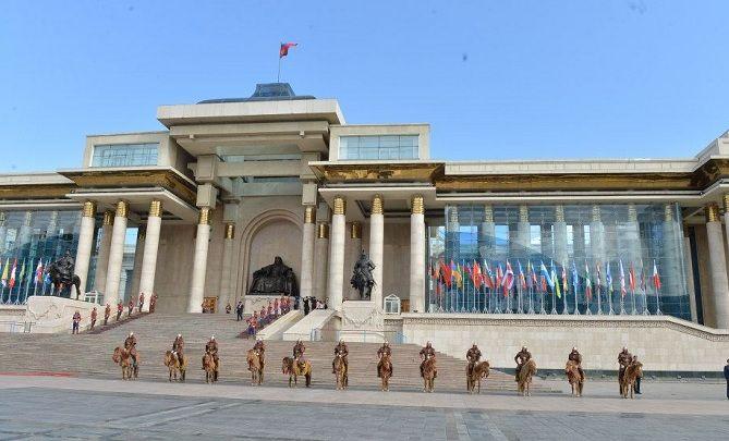 Хятадын САНУУЛГААС Монголын төр АЙХ УУ