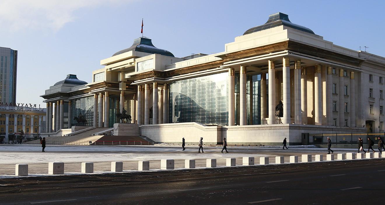 ОУСИ: Монгол Улсын Засгийн газрын өр Хятадаас шууд хамааралтайгаар огцом өсөж буйг анхааруулжээ