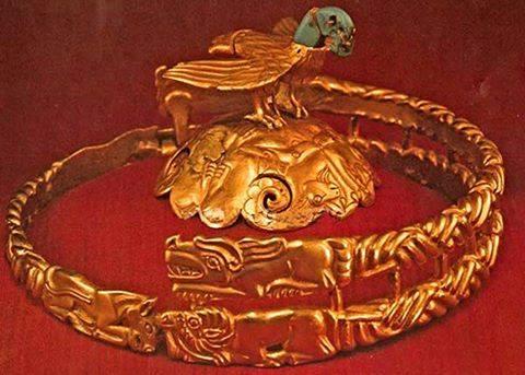 Хүннүчүүдийн их хаан Шаньюйгийн алтан титэм өмнөд хөршид байдаг