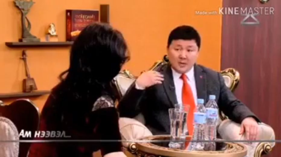 Нэр дэвшигч хэдэн тэрбум зараад тэрийгээ нөхөж авдаг, тэгээд Монгол улс хөгждөггүй