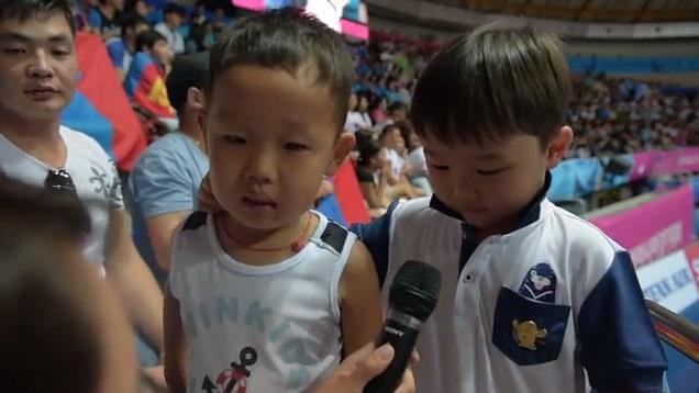 Н.Түвшинбаярын хүү Т.Манлай: Аав аа, сайн байна