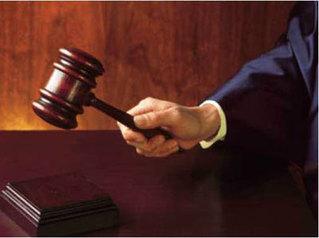 Иргэний хэргийг шүүсэн шүүгч хөрөнгө мөнгөтэй хүнд үйлчилж давж заалдах эрхгүй шийдвэр гаргасан уу