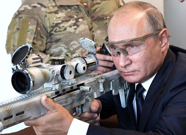 Калашниковын шинэ загварыг В.Путин туршжээ